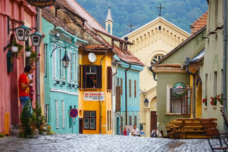 Caut frumoase femei din Brașov un bărbat din ClujNapoca care cauta Femei divorțată din Drobeta Turnu Severin
