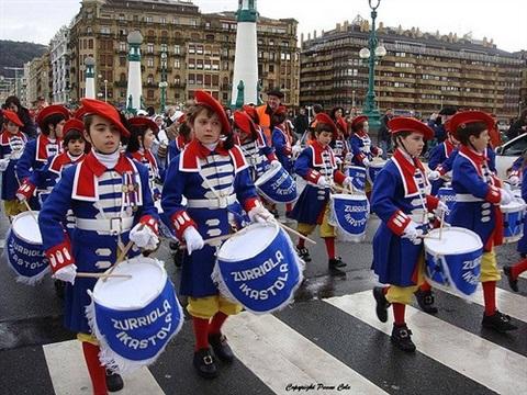 Festivalul Tamborrada in Spania