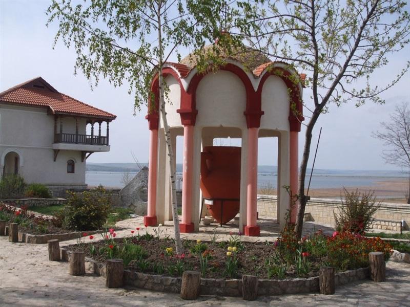 Manastirea Dervent Dobrogea Informatii Si Galerie Imagini
