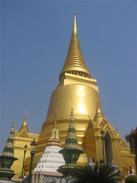 Templul Lui Budha De Smarald (Wat Phra Keo), Bangkok ...