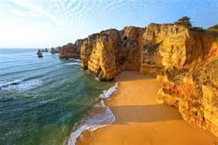 Main image Top 4 Beaches in the Algarve