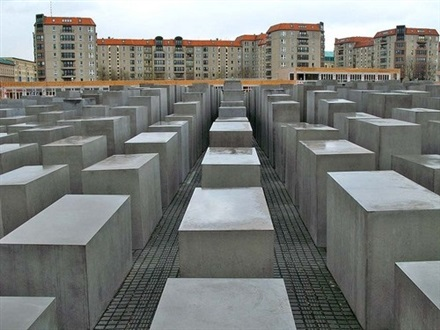 Imagine principala Memorialul Holocaustului din Berlin