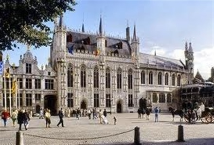 Imagine principala Primaria din Bruges