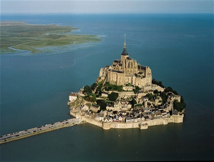 Imagine principala Manastirea Mont Saint Michel