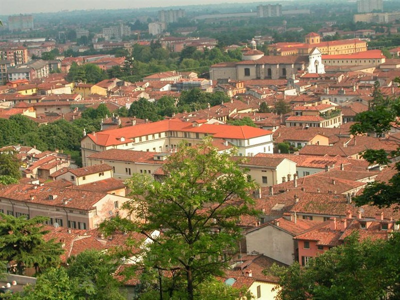 Brescia Italia Presentation Images And Travel Information About
