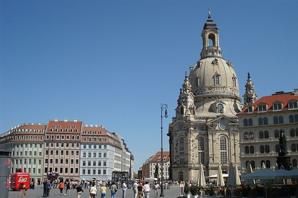Transport persoane Targu Neamt Dresden