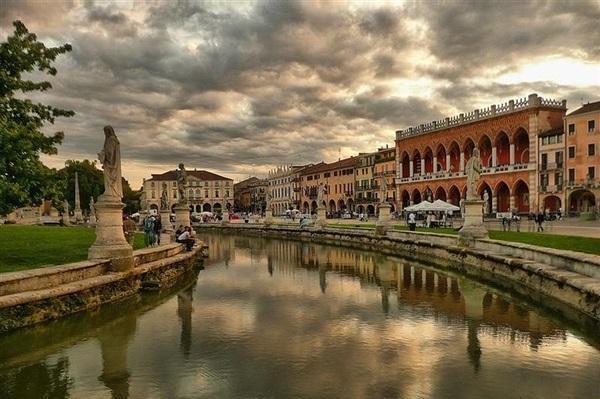 Arad Padova transport persoane Italia