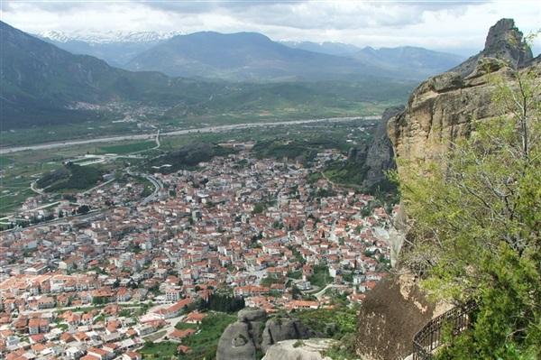 Despre Kalabaka Grecia Prezentare Imagini Informatii Turistice