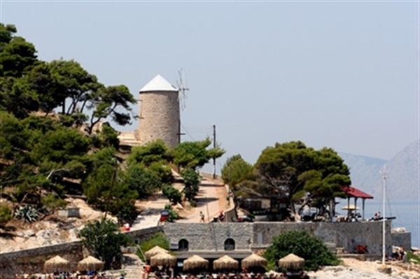 Despre Hydra Grecia Prezentare Imagini Informatii Turistice Si