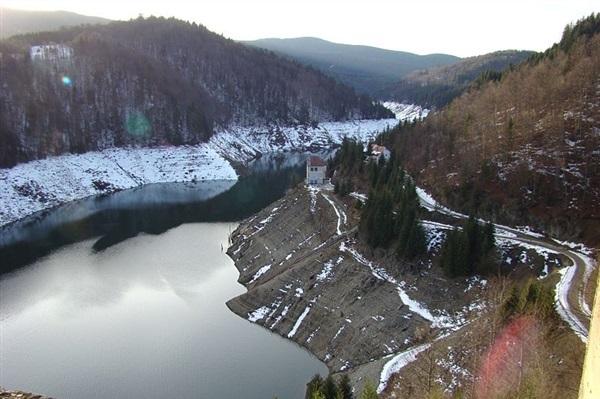 Despre Valea Draganului Romania Prezentare Imagini Informatii