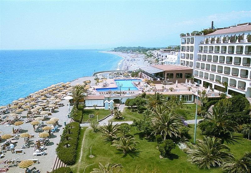Hotel hilton giardini naxos giardini naxos insula sicilia for Hilton hotel italia