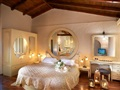 9_Executive Honeymoon Suite