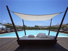 Black Rose Suites, Perissa