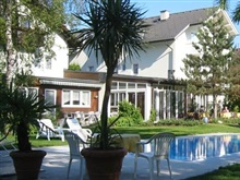 Familienhotel Villa Flora, Velden Am Worther See