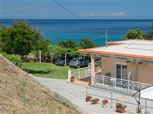 Pension Giannis, Kinyra