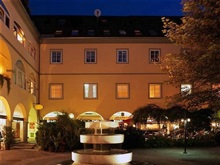 Hotel Goldener Brunnen, Klagenfurt
