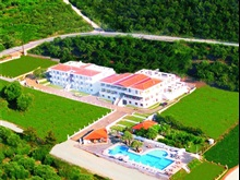 Hotel Maranton Beach, Kinyra