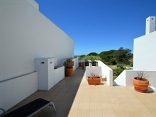 Hotel House With One Bedroom In Porches With Wonderful Sea View Pool Acces, Lagoa