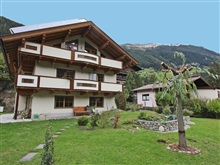 Modern Apartment Near Town Center In Brandberg, Mayrhofen