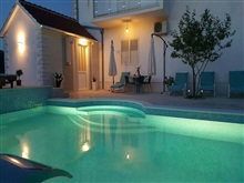 Spacious Villa In Neoric With Pool, Sinj