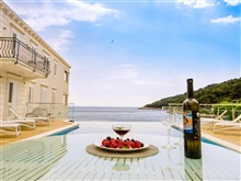 Boutique Pine Tree Apartments, Mljet