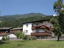 Spacious Apartment In Hart Im Zillertal With Balcony, Hart Im Zillertal
