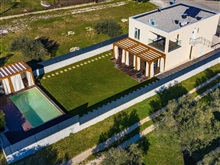 Nice Villa With Private Pool Fenced Garden Roofed Terrace 200M From, Bibinje