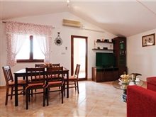 Apartment A M, Obrovac