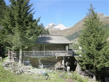 Lovely Chalet In Matrei In Osttirol With Mountain View, Matrei in Osttirol