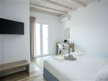 Senses Luxury Villas Suites, Elia