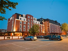 Ramada Hotel Suites By Wyndham Bucharest North, Bucuresti