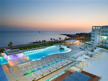 King Evelthon Beach Hotel Resort, Statiunea Paphos
