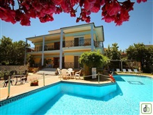 Vila George Apartments, Limenas