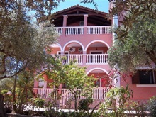 Vila Arazzo Holiday Apartments, Vassilikos