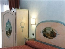 Hotel Ariston Minimum 2 Nights, Venice Mestre