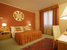 Hotel Antony Minimum 2 Nights, Venice Mestre