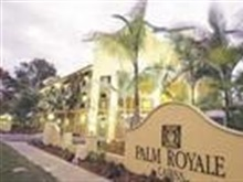 Palm Royale, Cairns
