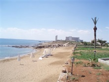 Crystal Rocks Holiday Village, Orasul Famagusta