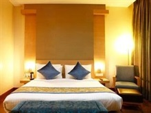 Hotel Clarks Inn Suites, New Delhi