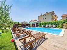 Apartments Bozena, Biograd