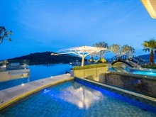 Crest Resort Pool Villas, Patong