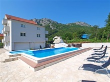Bubalo One Bedroom, Omis