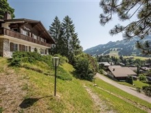 Gloggehus Chalet Four Bedroom, Gstaad
