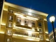 Babygrand Hotel, Atena