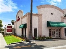 Ramada By Wyndham Anaheim Maingate North, Los Angeles