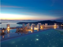 Hotel Above Blue Suites, Insula Santorini