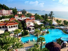 Centara Grand Beach Resort Phuket, Karon