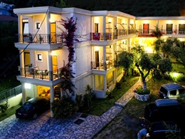 Hotel Loukas Apartments * *