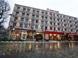 Hotel Arges * * *