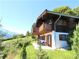 COMFORTABLE HOLIDAY HOME NEAR SKI AREA IN NIEDERNSILL * * *